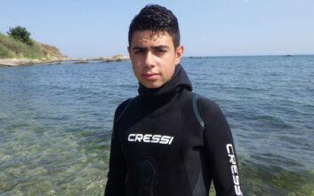 O 13χρονος «Ρομπέν» των θαλασσών που καθαρίζει τον βυθό από πλαστικά και άλλα αντικείμενα