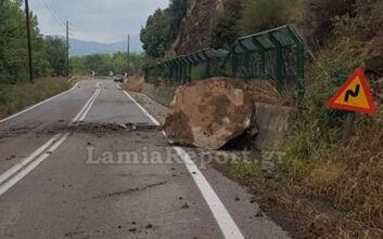 Εικόνες από τον βράχο που έπεσε στην εθνική οδό Λαμίας – Καρπενησίου