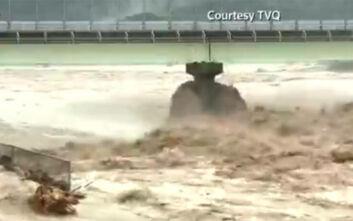 Φόβοι πως οι νεκροί από τις καταρρακτώδεις βροχές και τις κατολισθήσεις στην Ιαπωνία θα φτάσουν τους 50