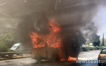 Φωτιά σε όχημα στην Εθνική Οδό - Οι πρώτες εικόνες από το σημείο