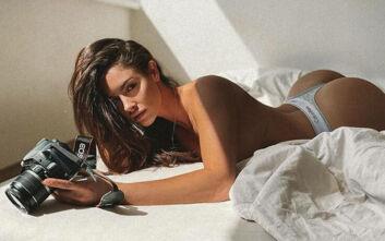 Η μέρα ξεκινά ιδανικά με τις σέξι πόζες της Lucia Javorcekova