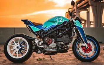 Η Balamutti έπαιξε με μια Ducati S4R αποδίδοντας ένα θηρίο σε δύο τροχούς