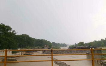 Απίστευτο βίντεο: Ιούλιος και ο ποταμός Πηνειός σχεδόν υπερχείλισε