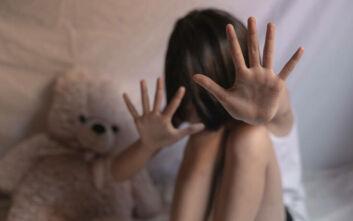 Βόλος: 39χρονος έσυρε από τα μαλλιά και χτύπησε τη 12χρονη κόρη και την πρώην σύζυγό του