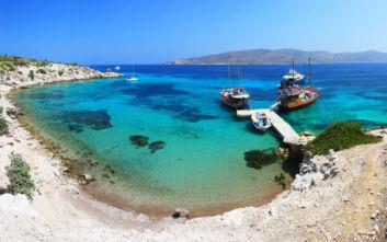 Η νησίδα των Δωδεκανήσων με τις εκπληκτικές παραλίες