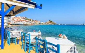 Handelsblatt: Τα δύο πράγματα που χρειάζεται όποιος θέλει να κάνει διακοπές στην Ελλάδα