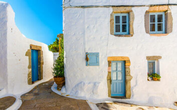 Conde Nast Traveller: Έξι ελληνικά νησιά στις καλύτερες επιλογές για τις διακοπές του Οκτωβρίου