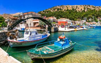 Το ναυτικό χωριό της Χίου με το άγριο και άγονο, συναρπαστικό τοπίο