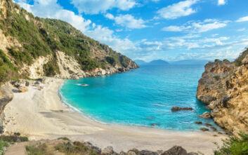 Η μικρή, εξωτική, παραλία της Λευκάδας