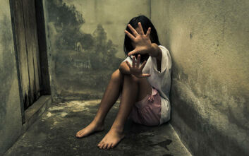 Πατέρας κατηγορείται ότι εξανάγκαζε την 8χρονη κόρη του σε αισχρές πράξεις