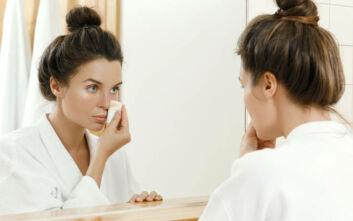 Έτσι θα αφαιρέσετε εύκολα και γρήγορα το μακιγιάζ σας