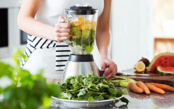 Τρεις τρόποι για να συμπεριλάβετε περισσότερα φρούτα και λαχανικά στη διατροφή σας