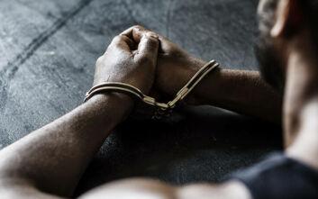 Συμμορία ανηλίκων έκλεβε παιδιά στη Νίκαια και τον Ρέντη