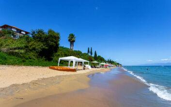 Η… hi-tech παραλία της Μεσσηνίας που προσεγγίζεται με… ασανσέρ!