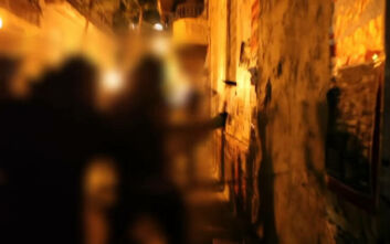 Εξάρχεια: Αντιεξουσιαστές αποπειράθηκαν να ανακαταλάβουν τα κτίρια που είχε εκκενώσει η ΕΛ.ΑΣ