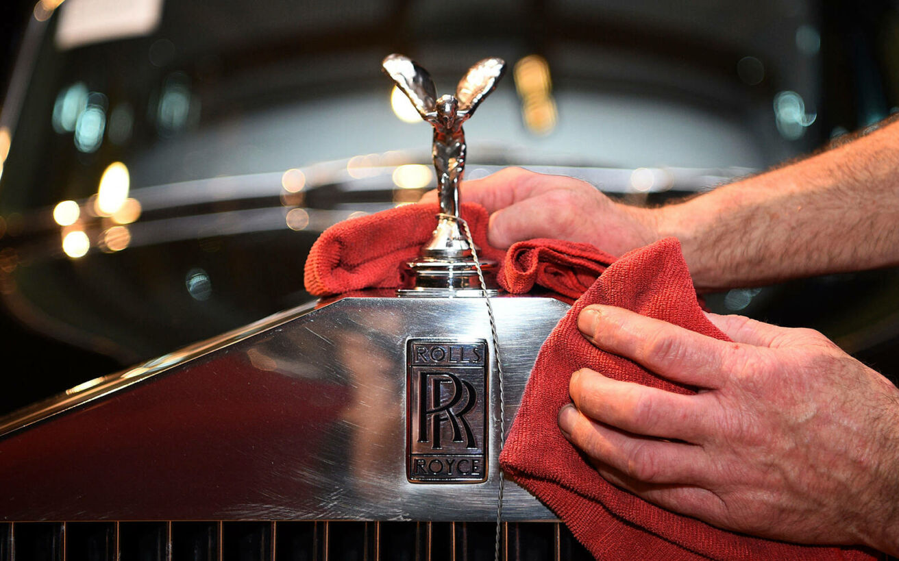 Πώς απέκτησαν το όνομα και το σύμβολό τους 10+1 διάσημες αυτοκινητοβιομηχανίες