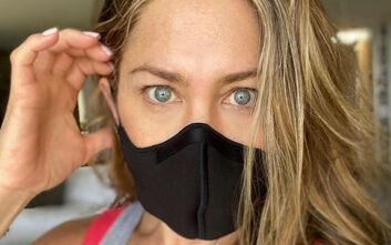 Ξέσπασε η Τζένιφερ Άνιστον: Φορέστε την αναθεματισμένη μάσκα