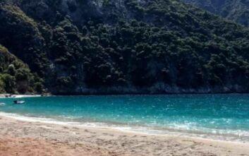Η πανέμορφη παραλία που δεν έχει ποτέ κύμα