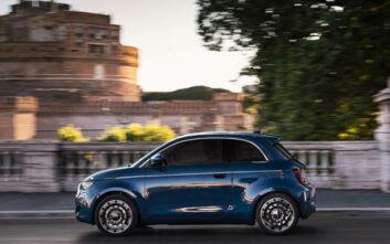 Πρώτο test drive του ηλεκτρικού 500 από τον πρόεδρο της Fiat