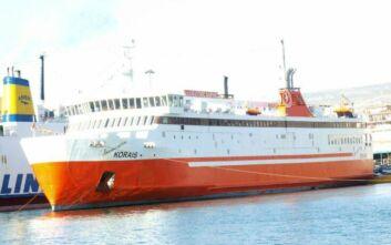 Μηχανική βλάβη στο πλοίο «Αδαμάντιος Κοραής»
