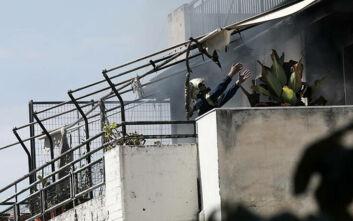 Συγκλονιστικές εικόνες από την τραγωδία στην Κυψέλη: Η μάχη των πυροσβεστών στο φλεγόμενο διαμέρισμα