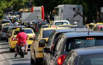 Μέτρα του υπουργείου Μεταφορών λόγω του προβλημάτων στην έκδοση αδειών κυκλοφορίας
