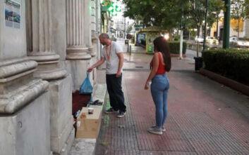 Στο πλευρό των αστέγων ο Δήμος Αθηναίων το καλοκαίρι: Δράσεις στο κέντρο και τις γειτονιές