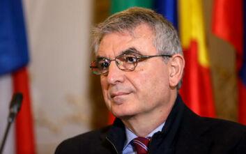 Στο υπουργείο Εργασίας ο νέος υφυπουργός Πάνος Τσακλόγλου - Τον υποδέχτηκε ο Γιάννης Βρούτσης