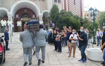 Ντίνος Χριστιανόπουλος: Εικόνες από την κηδεία του στη Θέρμη