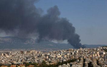 Φωτιά στη Μεταμόρφωση: Σε ποιες περιοχές της Αττικής αυξήθηκαν οι ρύποι