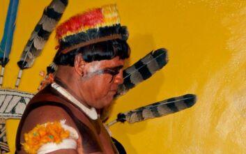 Ο κορονοϊός σκότωσε έναν από τους εμβληματικότερους ιθαγενείς της Βραζιλίας