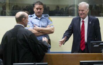 Επιμένουν οι εισαγγελείς για τη διατήρηση των ισοβίων στον Ράτκο Μλάντιτς