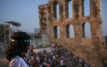 Τα 45 έτη η μέση ηλικία των κρουσμάτων κορονοϊού στην Ελλάδα