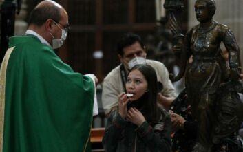 Θερίζει ο κορονοϊός στη Λατινική Αμερική: Κοντά στα 5 εκατ. οι μολύνσεις, 200.000 θάνατοι