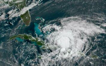 Κυκλώνας Αϊζάιας: Σε κατάσταση έκτακτης ανάγκης Φλόριντα και Βόρεια Καρολίνα