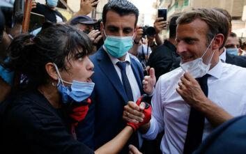 Το βίντεο με την εξοργισμένη Λιβανέζα και την υπόσχεση του Μακρόν που κάνει το γύρο του κόσμου