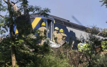 Εκτροχιασμός τρένου στη Σκωτία: 3 νεκροί και 6 τραυματίες – Πολύ δύσκολη η πρόσβαση των διασωστών