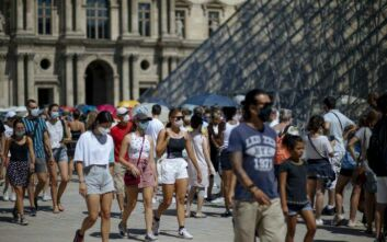 Σε υψηλό 4 μηνών ο αριθμός των ημερήσιων κρουσμάτων στη Γαλλία – 2.500 νέα περιστατικά σε 24 ώρες