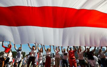 Λευκορωσία: Η Σβετλάνα Τιχανόφσκαγια δηλώνει έτοιμη να ηγηθεί του έθνους