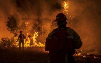 Κόλαση φωτιάς στην Καλιφόρνια: Πρωτοφανής καύσωνας και εικόνες απόλυτης καταστροφής