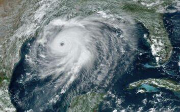 Λουιζιάνα και Τέξας προετοιμάζονται για τον «εξαιρετικά επικίνδυνο» κυκλώνα «Λόρα»