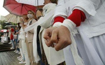 Η αντιπολίτευση της Λευκορωσίας κατηγορεί τον Πούτιν για παρεμβατικότητα, εκείνος «δείχνει» την Ουκρανία