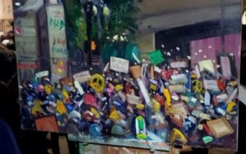 «Τείχος από Καλλιτέχνες» κατά της βίας που ασκήθηκε στους διαδηλωτές στήθηκε στο Πόρτλαντ