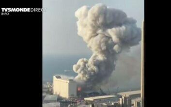 Καίγεται πλοίο που βρισκόταν στο λιμάνι της Βηρυτού - Τουλάχιστον 30 νεκροί και 3.000 τραυματίες από τις εκρήξεις