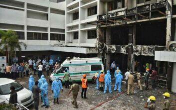 Ινδία: Τουλάχιστον 10 νεκροί από μεγάλη πυρκαγιά που ξέσπασε σε ξενοδοχείο φιλοξενίας για την COVID-19