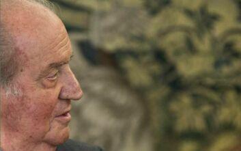Ισπανία: Χουάν Κάρλος, από δημοφιλής μονάρχης, αυτοεξόριστος, αμαυρωμένος από σκάνδαλα