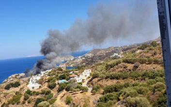 Συνεχίζεται η μάχη με τις φλόγες στην Αγία Πελαγία Κρήτης