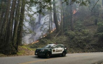 Συνεχίζεται η μάχη με τις φλόγες στην Καλιφόρνια, έχει καεί έκταση όση το Γκραν Κάνυον