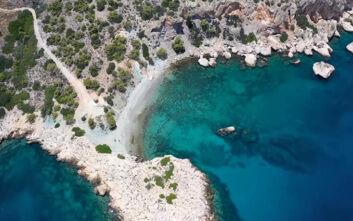 Κόγχη: Η γαλαζοπράσινη παραλία της Αττικής στον Αργοσαρωνικό