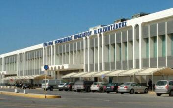 Χειροπέδες σε 60 άτομα που προσπάθησαν να ταξιδέψουν με πλαστά έγγραφα από το αεροδρόμιο του Ηρακλείου